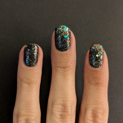 Glitter sponged on to the tips of the nail
